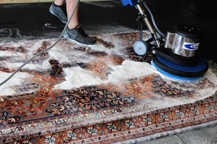 0-Ferdis carpet washing with advanced machines (2)